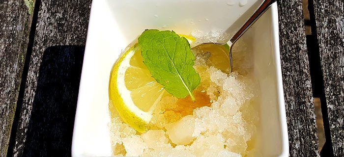 Granité van ice tea met honing en citroen