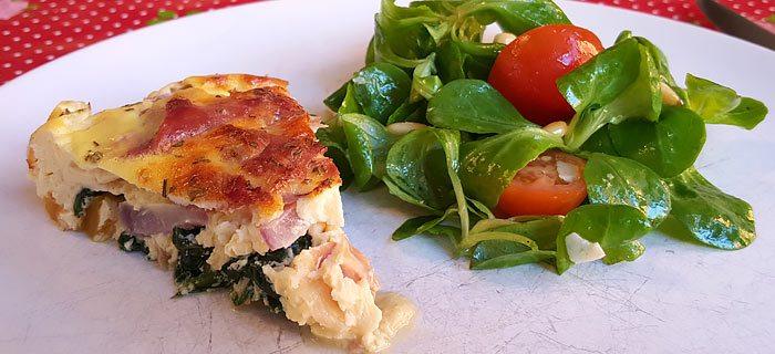 Een makkelijke frittata met spinazie, gele paprika en parmaham