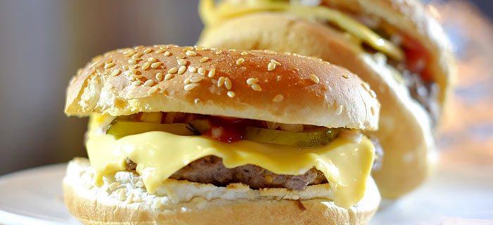 Heerlijke home made cheesburgers