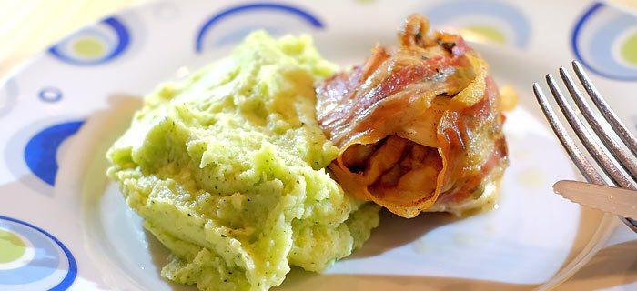 Courgette stamppot met in pancetta gegrilde kip