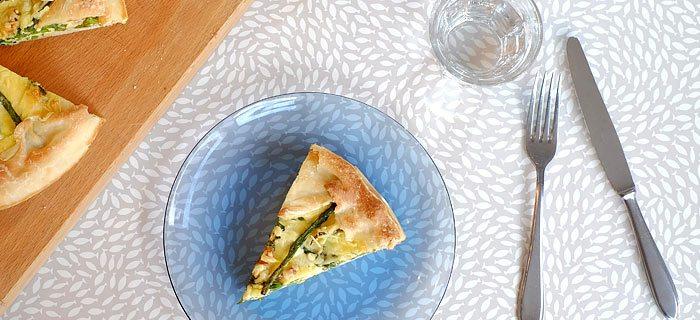Overheerlijke quiche met groene asperges, parmaham en rozemarijn