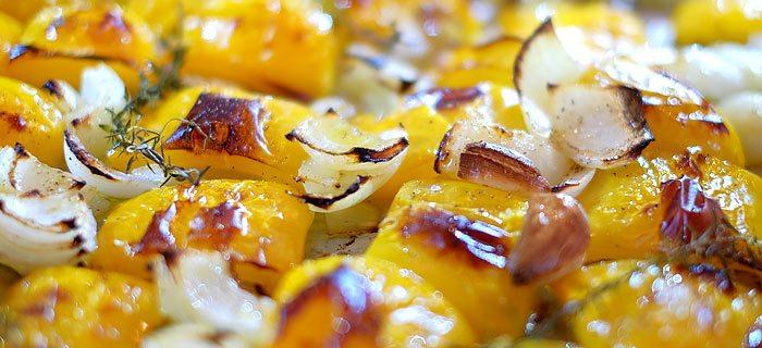 Soep van geroosterde gele paprika en kokos
