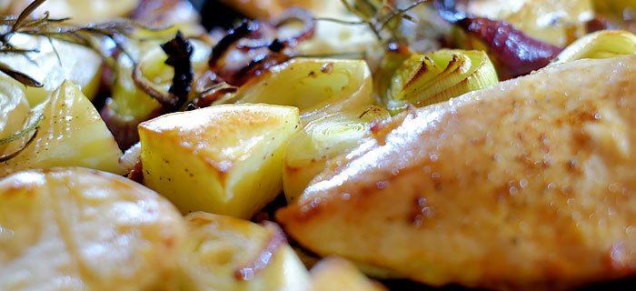 Prei, aardappeltjes en kip uit de oven