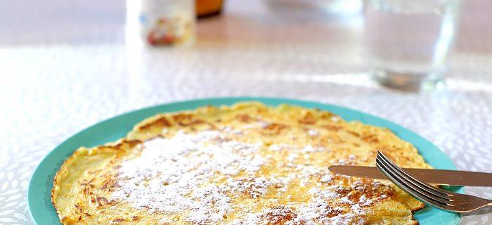 Wortelpannenkoeken met appel en rozijnen