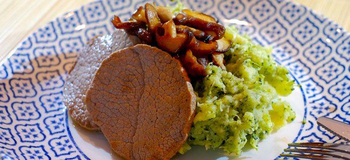 Broccolistamppot met shiitake en rosbieflapjes