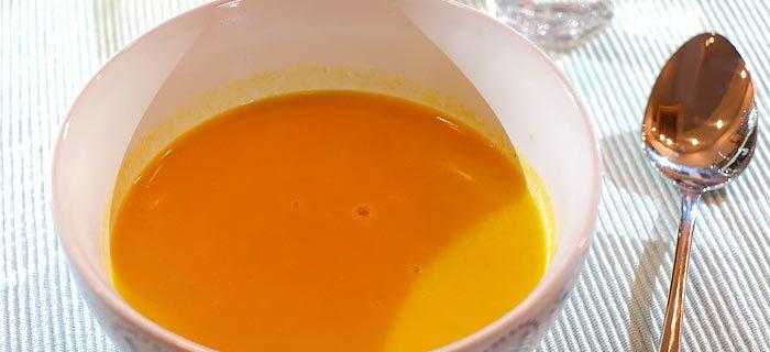 Chinees gekruide wortel-roomsoep