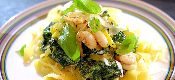 Pappardelle met spinazie a la crème en knoflook-garnaaltjes