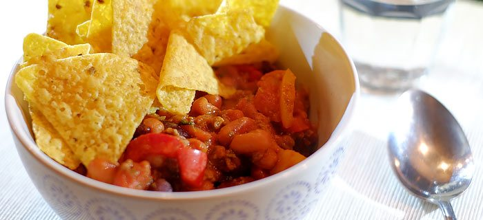 Pittige chili con carne met tortilla chips