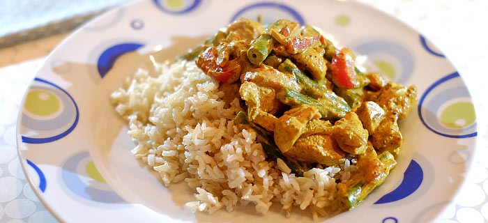 Kip tandoori met sperziebonen, champignons, paprika en rijst