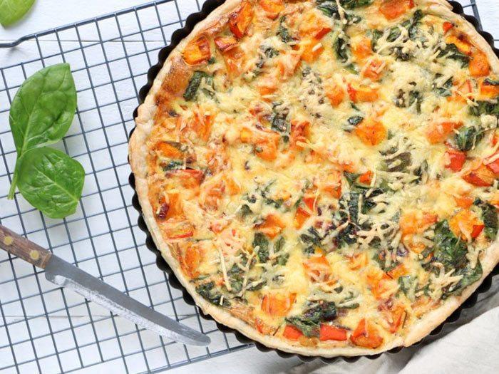Quiche met pompoen, spinazie en oude kaas van Mind Your Feed