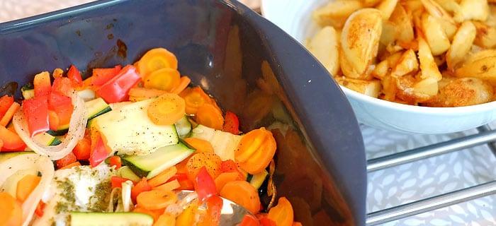 Kabeljauw- en groenteschotel uit de oven met aardappel wedges
