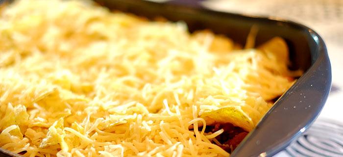 Nacho's uit de oven met bonen, gehakt en kaas