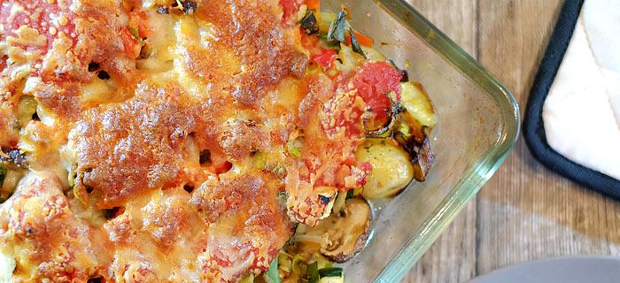 Aardappel ovenschotel met kippendij, groenten, champignons en kaas