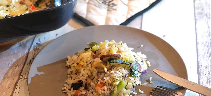 Ovenschotel met rijst, groenten, champignons en kaas